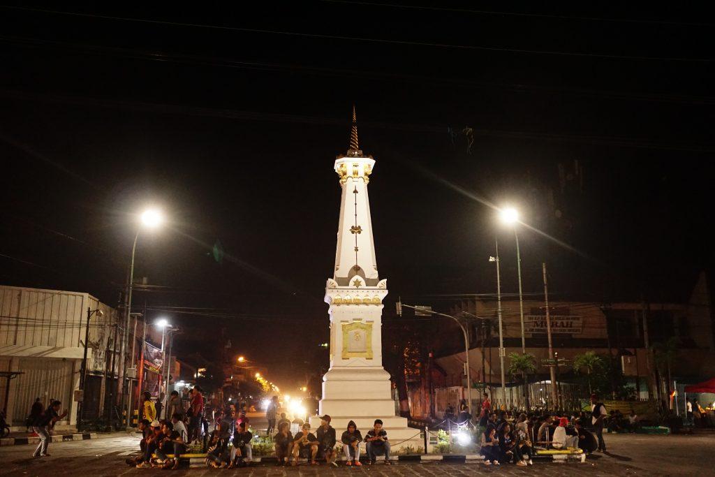Tugu pusat kota Jogja